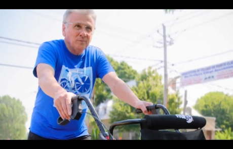Bob Hardy transformed his rollator into a fundraising vehicle